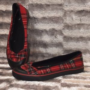 6.5 Red Black Plaid Twist Bow Slip On 1/2'' Wedge